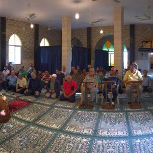 صلاة عيد الفطر المبارك في مسجد البلدة